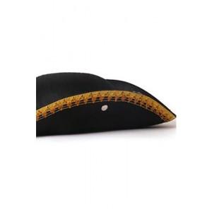 כובע משולש עם תיקטקים