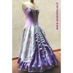 שמלה מלכותית בסטרפלס