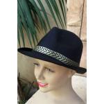 כובע מגבעת שחור