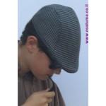 כובע קסקט משובץ