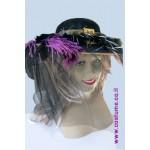כובע גברת עם נוצות וטול