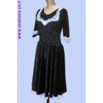 שמלת קטיפה מעוטרת